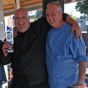 Palingrokers, Roelof de Vries en Doede Postma, winnaars palingroken 2016.